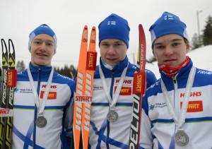 Nuorten EM-hopeaa Suomelle toi viestitrio Tommi Härkönen, Niilo Ojanaho ja Elmeri Toivanen.