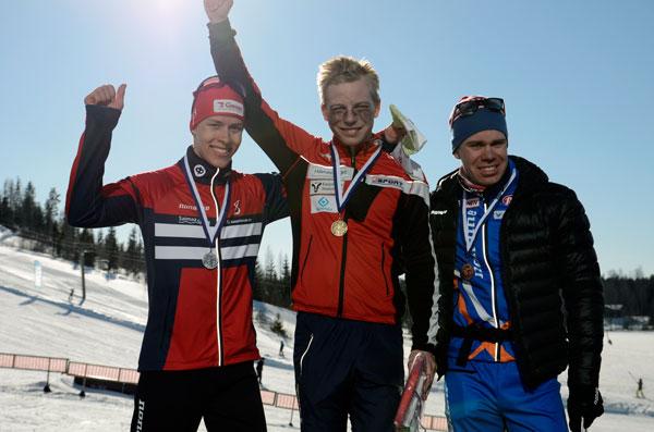 Tuomas Kotro, Tero Linnainmaa ja Ville-Petteri Saarela ylsivät mitaleille miesten päämatkalla.